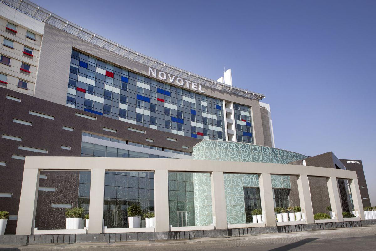 44.1 طرح تبدیل هتل NOVOTEL به CIP جدید فرودگاه امام خمینی